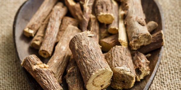 licorice - glycyrrhiza glabra - root pieces