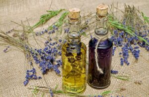 Choosing the right carrier oil for your herbal remedy: about dry oils and wet oils